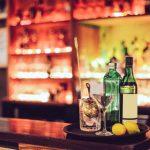 女性も夜遊びやワンナイトを楽しもう!バーやクラブのひとり飲みでモテる方法